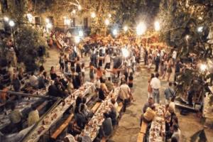 Κορωνοϊός: Τέλος σε λιτανείες, πανηγύρια και όρθιους σε μπαρ