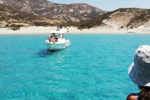 Παράδεισος: Το νησί των 2 κατοίκων στις Κυκλάδες με τα μαγευτικά νερά
