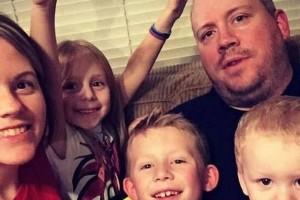 44χρονος σκότωσε τη σύζυγό του και τα τρία παιδιά τους και αυτοκτόνησε
