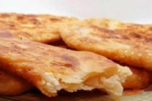 Βαρεθήκατε την τυρόπιτα; Φτιάξτε παραδοσιακά τηγανόψωμα