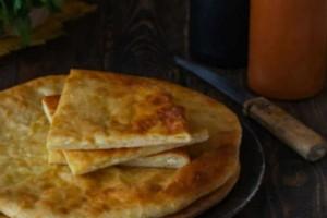 Τυρόπιτα στο τηγάνι - Εύκολη και γρήγορη συνταγή