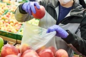 Κορωνοϊός: Μπορεί να μεταδοθεί από τα τρόφιμα; «Βόμβα» από τον Παγκόσμιο Οργανισμό Υγείας