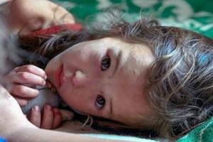 Αυτό το 3χρονο περιπλανιόταν μόνο του σε δάσος της Σιβηρίας επί 11 μέρες - Όταν δείτε όμως ποιος ήταν δίπλα της θα σοκαριστείτε