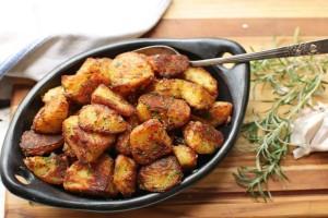 Το τέλειο κόλπο για να μην κολλάνε οι πατάτες στο ταψί