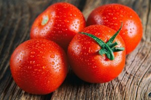 """Γιατί η ντομάτα έχει χαρακτηριστεί ως """"φρούτο του Σατανά"""";"""