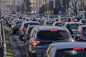 Κίνηση στους δρόμους: Αυξημένη στο κέντρο της Αθήνας - Πού υπάρχουν προβλήματα