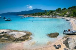 Παράδεισος: Το ελληνικό νησί που έχει ζεστά νερά όλο τον χρόνο!