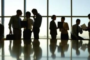 «Βόμβα»: Εταιρεία κολοσσός απολύει 28.000 εργαζόμενους λόγω κορωνοϊού