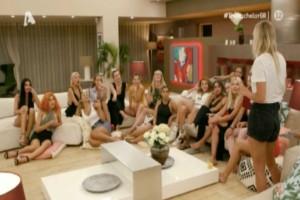 The Bachelor: Οι παίκτριες έπαθαν… επιφοίτηση κι έστειλαν στο ατομικό ραντεβού εκείνη που το άξιζε