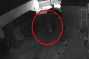 Κάμερα ασφαλείας κατέγραψε φάντασμα μικρού παιδιού - Ανατριχίλα