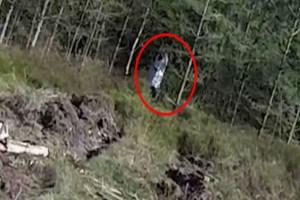 Ερασιτεχνικό βίντεο από αεροσκάφος τύπου drone στο πιο στοιχειωμένο δάσος της Αγγλίας - Προκαλεί ανατριχίλα!