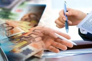 Επίδομα 534 ευρώ: Ποιοι θα δούν λεφτά σήμερα (25/9) στους λογαριασμούς τους