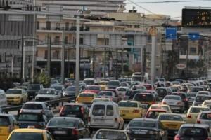 Αυξημένη κίνηση στους δρόμους της Αθήνας - Που παρατηρείται μποτιλιάρισμα (photo)