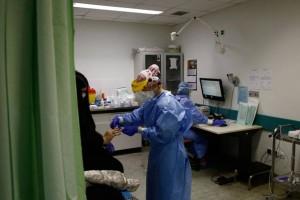 Κορωνοϊός: «Κοκτέιλ» αντισωμάτων βελτιώνει τα συμπτώματα της ασθένειας