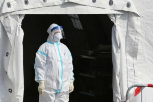 Δήλωση «βόμβα» από Γερμανό λοιμωξιολόγο: «Η πανδημία του κορωνοϊού ξεκινά πραγματικά τώρα»