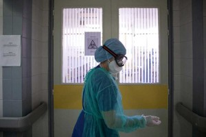 Κορωνοϊός: Συναγερμός για το 2ο κύμα της πανδημίας - Η νέα κυβερνητική προειδοποίηση