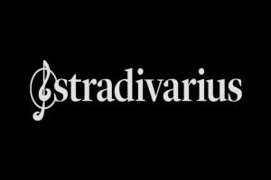 Βρήκαμε στα Stradivarius το τοπ με δερμάτινη όψη στο απόλυτο φθινοπωρινό χρώμα