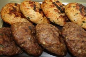 Μυστικά των σεφ για αφράτα & νόστιμα μπιφτέκια - Όλα τα τιπς και 8 συνταγές που θα σας καταπληξουν!
