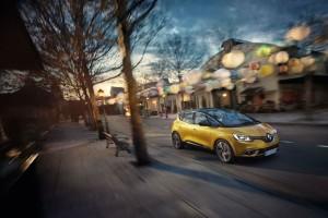 Renault SCENIC:  Το απόλυτο οικογενειακό της ελληνικής αγοράς