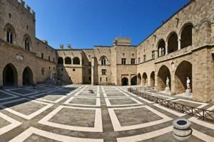 Σοκ στη Ρόδο: Βρέθηκε πτώμα στη μεσαιωνική πόλη