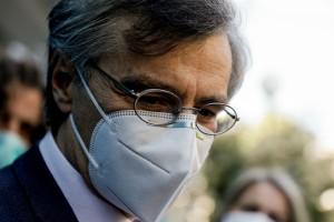 Σωτήρης Τσιόδρας: Η απάντησή του για τη λήψη νέων μέτρων (Video)
