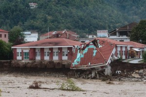 """Σάρωσε ο """"Ιανός"""": Ένας από τους πιο ισχυρούς μεσογειακούς κυκλώνες από το 1969"""