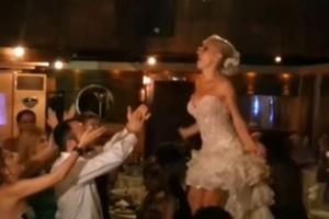 Νύφη χορεύει τσιφτετέλι και... τρελαίνει το γαμπρό - Αυτό που γίνεται στη συνέχεια είναι απίστευτο