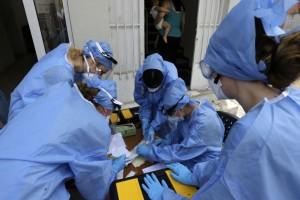 """Κορωνοϊός: """"Φλέγεται"""" η Αττική - 331 κρούσματα σε 24 ώρες"""