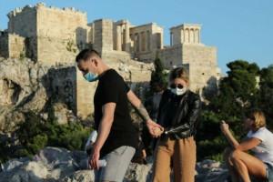 """Κορωνοϊός: Συνεχίζει να έχει τη """"μαύρη πρωτιά"""" η Αττική"""