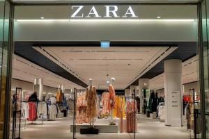 ZARA: Το καρό παντελόνι που θα σε ξετρελάνει - Κοστίζει μόνο 12,99€
