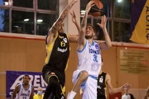 """Basket League: Νίκη με ανατροπή για την ΑΕΚ - Το """"έσωσε"""" ο Ζήσης"""