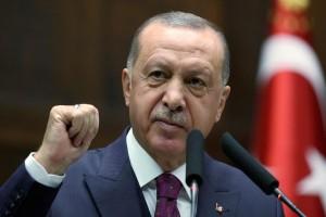 """Επίθεση Ερντογάν για Μακρόν: """"Ενθαρρύνει τις φασιστικές επιθέσεις κατά των μουσουλμάνων"""""""