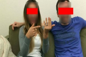 """Μόλις της έκανε πρόταση γάμου ανέβασε μια φωτογραφία στο Facebook - Όσοι την είδαν """"πάγωσαν"""""""