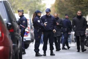 Συναγερμός στη Γαλλία: Άνδρας απειλούσε αστυνομικούς με μαχαίρι