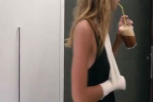 GNTM 3: Τραυματίστηκε παίκτρια - Με δεμένο χέρι εμφανίστηκε η...