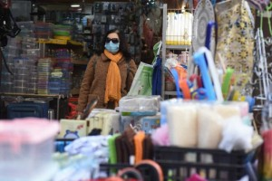 Κορωνοϊός: Ανοικτά τα καταστήματα και στις «κόκκινες περιοχές»