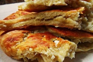 Κουλούρα ξηρομερίτικη με φέτα - Μια φανταστική παραδοσιακη πίτα
