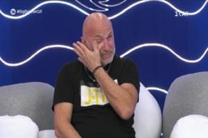 Big Brother: «Θέλω να πηδήξω από τον φράχτη...» - «Τσάκισε» τον Χρήστο Μακρίδη η ανακοίνωση του Μεγάλου Αδερφού (Video)