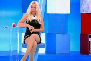 Μήνυση για την Αννίτα Πάνια - Άναυδη η παρουσιάστρια