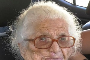 Πέθανε σε ηλικία 115 ετών η Κατερίνα Καρνάρου (Video)