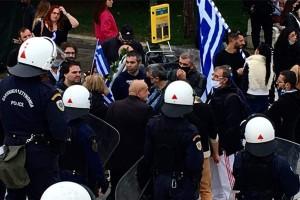 Πήγαν να παρελάσουν στο Σύνταγμα για την 28η Οκτωβρίου παρά τις απαγορεύσεις - Σε προσαγωγές προχώρησε η αστυνομία