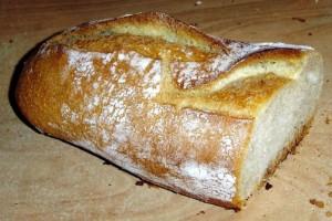 Μην πετάξετε ποτέ ξανά το μπαγιάτικο ψωμί σας - Μπορείτε να το χρησιμοποιήσετε σαν...