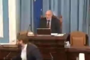 Ισχυρός σεισμός στην Ισλανδία διέκοψε τη συνεδρίαση του κοινοβουλίου