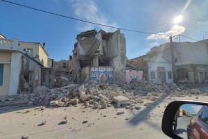 Σεισμός στη Σάμο: Άμεσα στην Αθήνα ένας 14χρονος και μία 63χρονη - Στους 19 οι τραυματίες