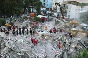 Σεισμός-Τουρκία: Τουλάχιστον στους 35 οι νεκροί - Δραματική διάσωση 3χρονου μέσα από τα συντρίμμια (Video)