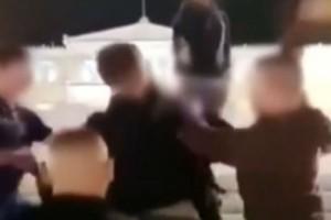 Άγρια επίθεση από ανήλικους στο κέντρο της Αθήνας: Χτύπησαν συνομήλικό τους για να του πάρουν το κινητό