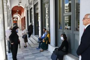 Κορωνοϊός: Ουρές για rapid tests και στην Πάτρα