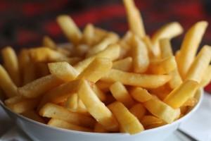 Γιατί δεν πρέπει να φάτε ποτέ ξανά αυτές τις τηγανητές πατάτες - Μεγάλη προσοχή!