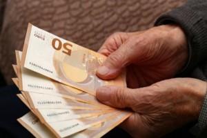 Αναδρομικά: Σήμερα ξεκινάει η καταβολή στους συνταξιούχους