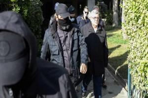 Χρυσή Αυγή: Οδηγούνται στη φυλακή 13 πρώην βουλευτές, άφαντος ο Παππάς